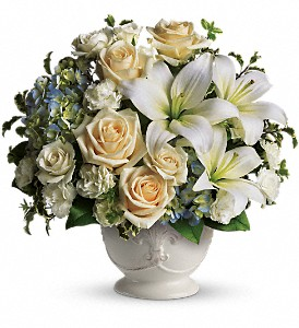 Beautiful Dreams by Teleflora in Naples FL, Gene's 5th Ave Florist