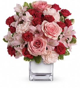 Teleflora's Love That Pink Bouquet with Roses in Naples FL, Gene's 5th Ave Florist