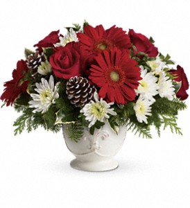 Teleflora's Simply Merry Centerpiece in Vancouver BC, Davie Flowers