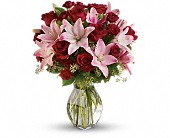 Lavish Love Bouquet with Long Stemmed Red Roses in Shelton WA, Lynch Creek Floral