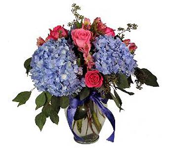 FF19 ''Grand Garden'' Vase Arrangement in Oklahoma City OK, Array of Flowers & Gifts