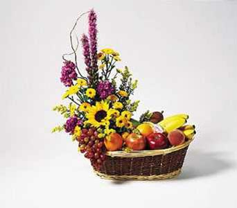 Fruit & Flower Basket in New York NY, CitiFloral Inc.