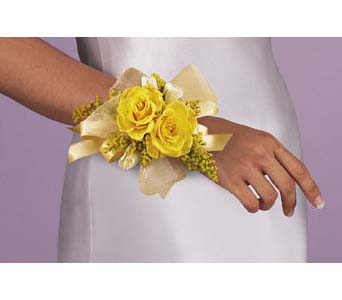 Yellow Rose Wristlet in San Bernardino CA, Inland Flowers