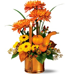 Teleflora's WILLIAMSBURG� Fall Traditions Bouquet in Wickliffe OH, Wickliffe Flower Barn LLC.
