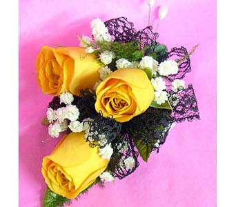 Yellow Rose Lace in Massapequa Park NY, Bayview Florist & Montage  1-800-800-7304