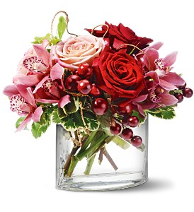 Teleflora's Vineyard Blush in Chesapeake VA, Lasting Impressions Florist & Gifts
