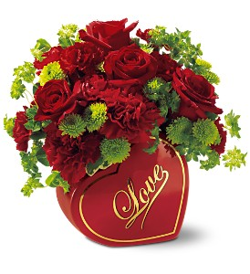 Teleflora's From The Heart Bouquet in Buffalo Grove IL, Blooming Grove Flowers & Gifts