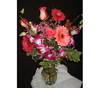 Vibrant Mix in Dallas TX, Z's Florist