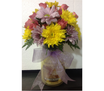Yankee Candle with Fresh Arrangement in Independence KY, Cathy's Florals & Gifts