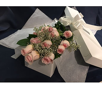 12 Pink Roses in Markham ON, Freshland Flowers