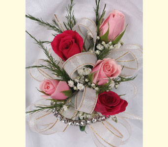 5 Sweetheart Rose Corsage in Southampton PA, Domenic Graziano Flowers