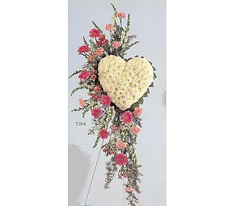 Heart spray in Sayreville NJ, Miklos Floral Shop