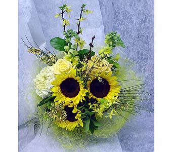 Sunny Delight in Massapequa Park NY, Bayview Florist & Montage  1-800-800-7304