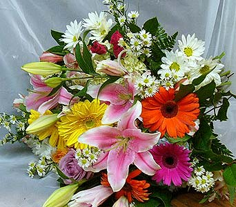 Happy in Massapequa Park NY, Bayview Florist & Montage  1-800-800-7304