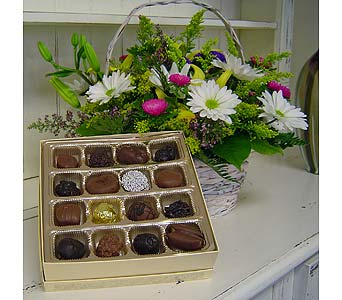 Purchase flowers flower of the month country florist toronto hw0 163993 jpg mightylinksfo