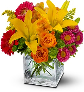 Teleflora's Summertime Splash in Bakersfield CA, Uniquely Chic Florist & Boutique