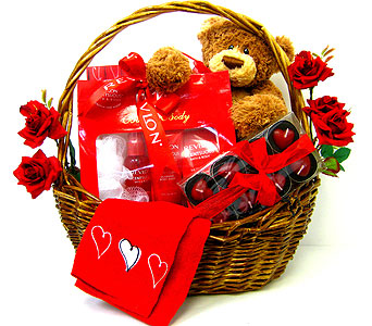 GB245 ''Really Red'' Gift Basket in Oklahoma City OK, Array of Flowers & Gifts