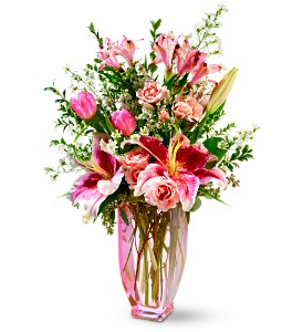 Teleflora's Pink Sapphire Bouquet in Kennebunk ME, Blooms & Heirlooms ��