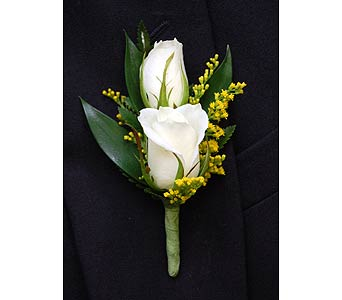 Sweetheart Boutonniere in Towson MD, Radebaugh Florist and Greenhouses