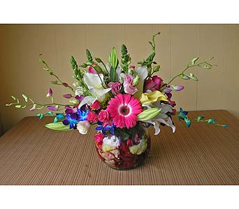 Flower Arrangement in Wantagh NY, Numa's Florist