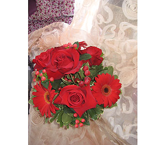 Red Color Therapy in Massapequa Park NY, Bayview Florist & Montage  1-800-800-7304