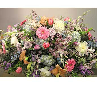 Full casket spray in Lower Gwynedd PA, Valleygreen Flowers and Gifts