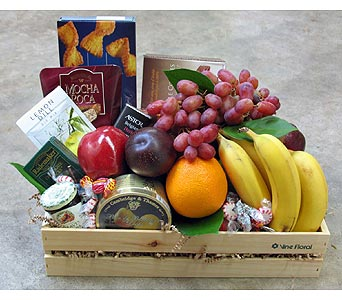 Fruit and Gourmet Basket in St Catharines ON, Vine Floral