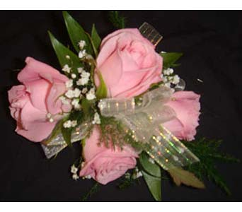Pink Spray Roses in Farmington CT, Haworth's Flowers & Gifts, LLC.