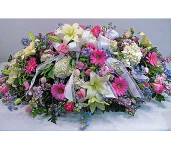 Casket Spray in Lower Gwynedd PA, Valleygreen Flowers and Gifts