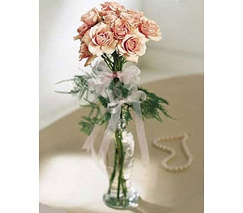 The FTD� Sweet Sixteen� Rose Bouquet Local and Nationwide Guaranteed Delivery - GoFlorist.com