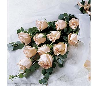 The FTD� Premium Long Stemmed Rose Bouquet Local and Nationwide Guaranteed Delivery - GoFlorist.com