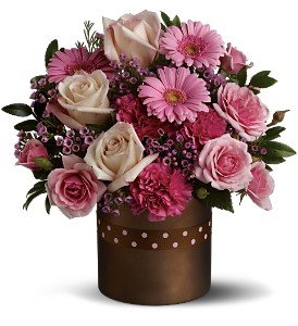 Teleflora's Just Smitten in Longview TX, The Flower Peddler, Inc.