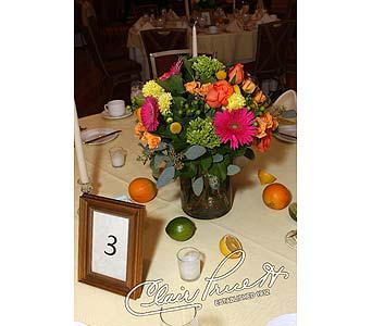 Centerpieces in Norristown PA, Plaza Flowers