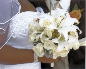 Marva''s Bride Bouquet in Sun City Center FL, Sun City Center Flowers & Gifts, Inc.