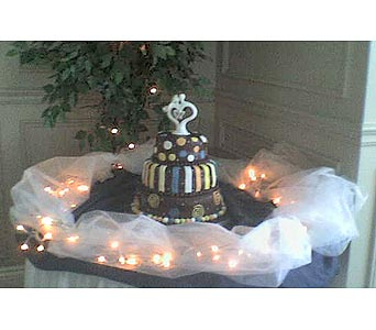 Orchardview Wedding Cake TablePlease call for more info 888-279-7845 in Manotick ON, Manotick Florists