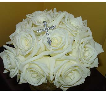 Communion Bouquet in Massapequa Park NY, Bayview Florist & Montage  1-800-800-7304