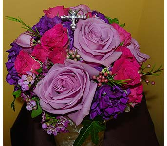 Colorful Bouquet in Massapequa Park NY, Bayview Florist & Montage  1-800-800-7304