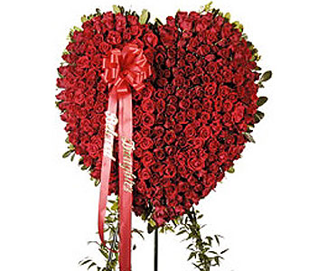 Full Heart Spray in Fairfield CT, Hansen's Flower Shop and Greenhouse
