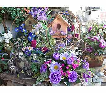 Birdhouses in Dry Ridge KY, Ivy Leaf Florist