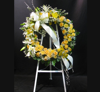 Yellow and White Wreath on Stand in Washington DC, Greenworks By Shane