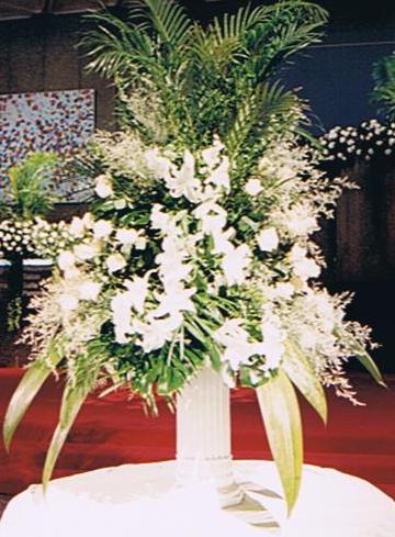 Wedding Gift Ideas Ottawa : White Lillies Arrangement in Ottawa ONThe Fresh Flower Company