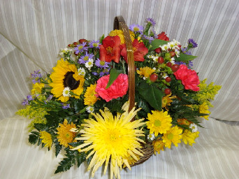 basket of flowers in Bellmore NY, Petite Florist
