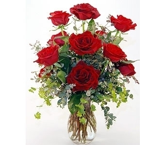 GoFlorist''s Dozen Red Roses Local and Nationwide Guaranteed Delivery - GoFlorist.com