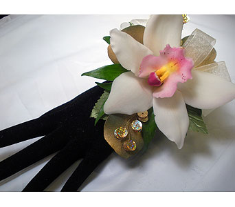 Sophisticated Lady Wrist Corsage in Detroit and St. Clair Shores MI, Conner Park Florist
