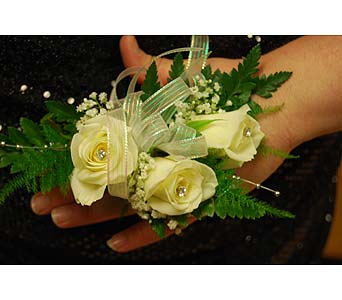 White Wweetheart Roses with Sparkle in Laurel MD, Rainbow Florist & Delectables, Inc.
