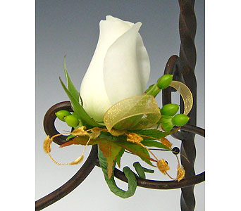 Homecoming - Boutonnieres in Kirkland WA, Fena Flowers, Inc.