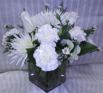 WHITE CUBED in Bellmore NY, Petite Florist