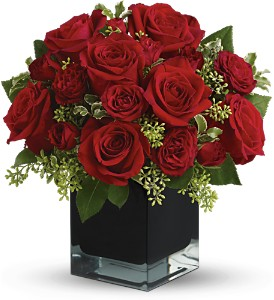 Teleflora's Ravishing Reds in Longview TX, The Flower Peddler, Inc.