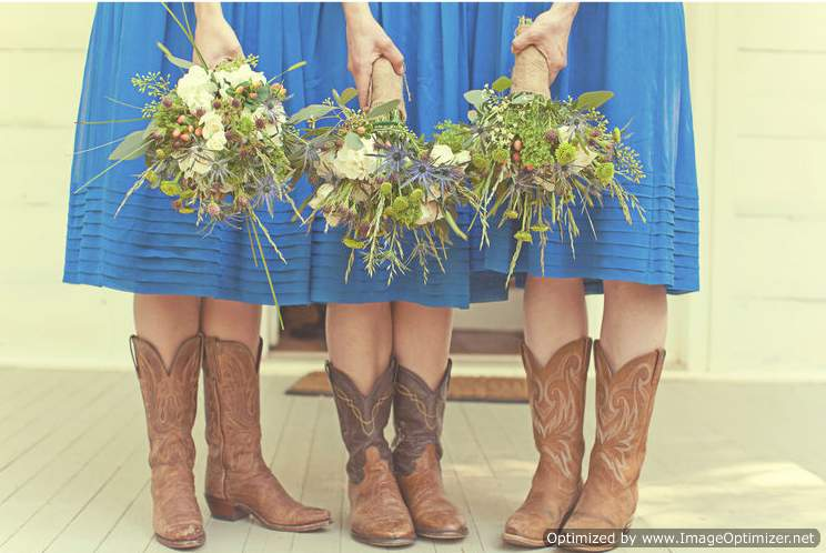 Natural look Bridesmaid Bouquets in Knoxville TN, The Flower Pot