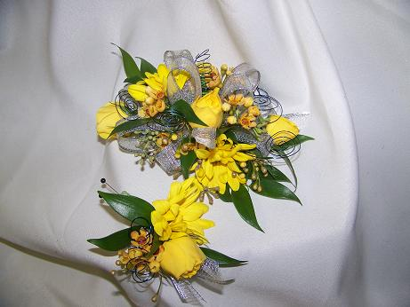 SPRINGING YELLOW WRIST in Crown Point IN, Debbie's Designs